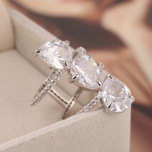 Henri Bendel Inlaid Zircon Drop-Shaped Hollow Ring